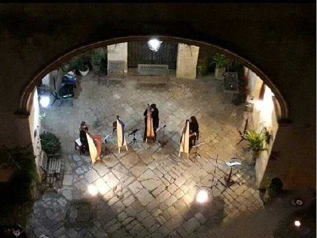 Location-Eventi-Lecce-Apulia-Film-Commission-Spettacoli-dal-vivo-concerto